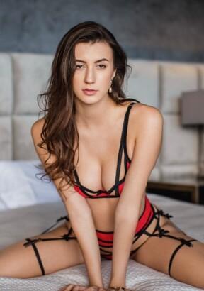 Lina Luxa, French Pornstar Escort in Paris